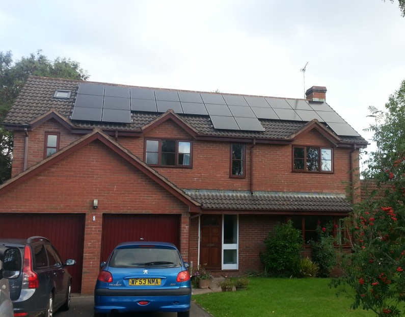 4kW PV system with Immersun hot water